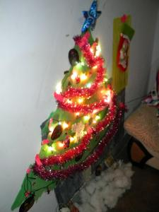 The makeshift Christmas tree . . . I went all out on this sucker!